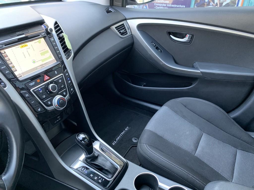 2016-Hyundai-Elantra GT