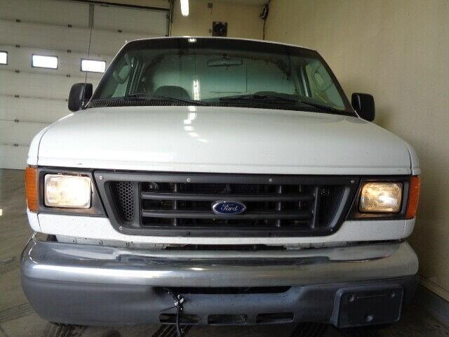 2006-Ford-Econoline Cargo Van