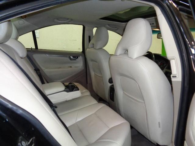 2005-Volvo-S60