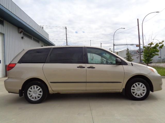 2004-Toyota-Sienna