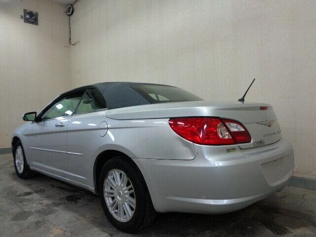 2008-Chrysler-Sebring
