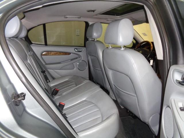 2004-Jaguar-X-Type