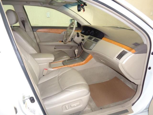 2005-Toyota-Avalon