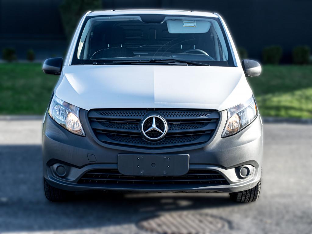 2019-Mercedes-Benz-Metris
