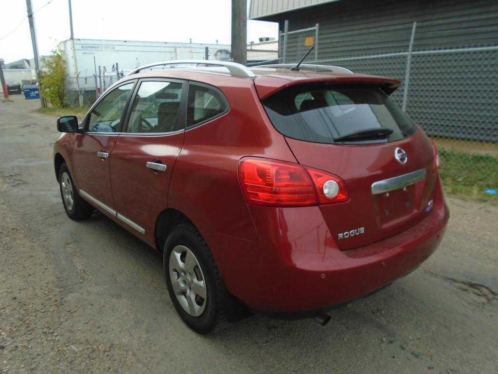 2012-Nissan-Rogue