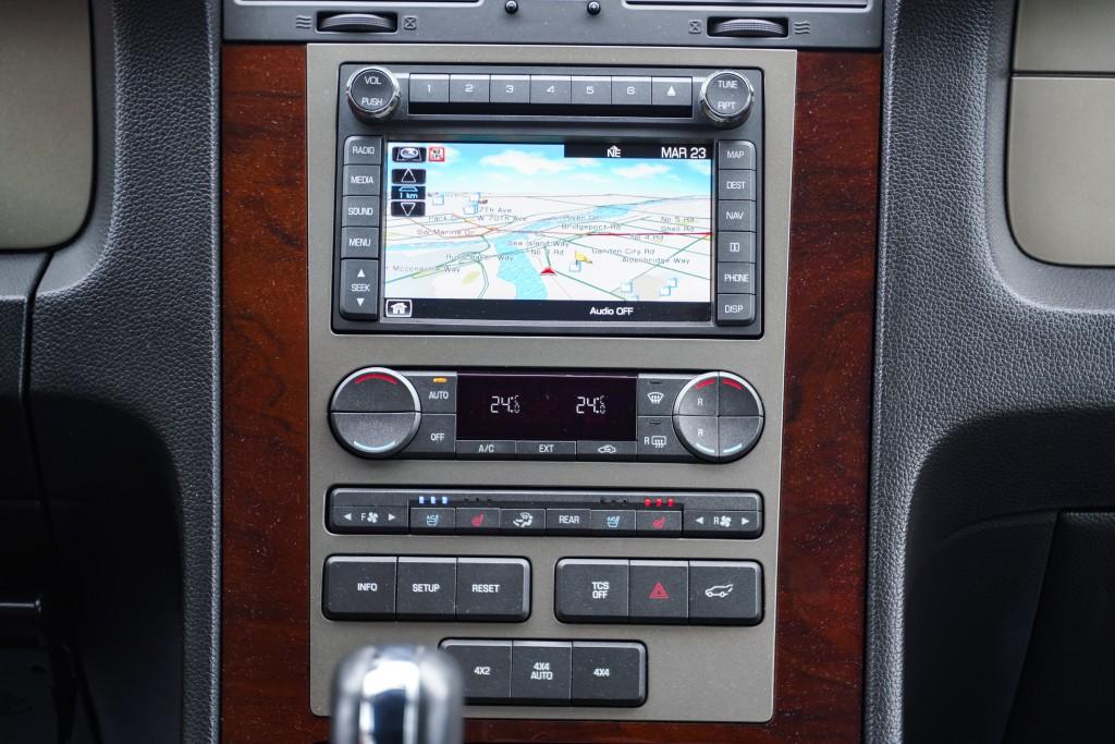 2012-Lincoln-Navigator