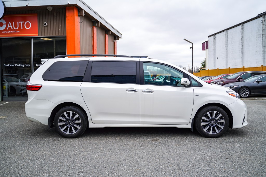 2019-Toyota-Sienna