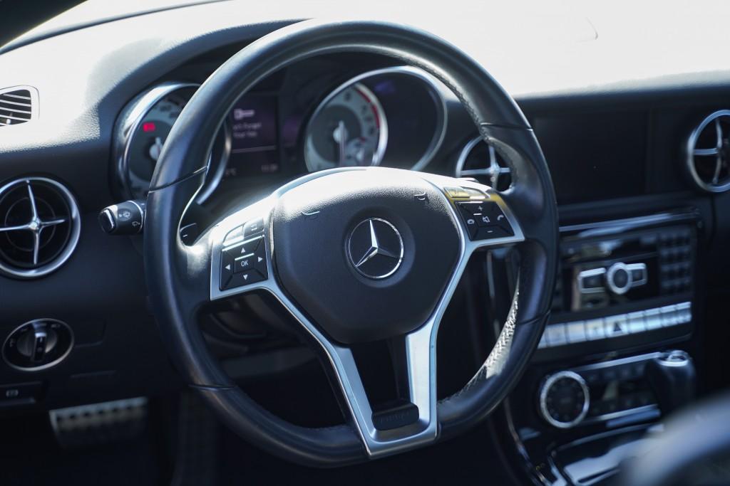 2013-Mercedes-Benz-SLK-Class