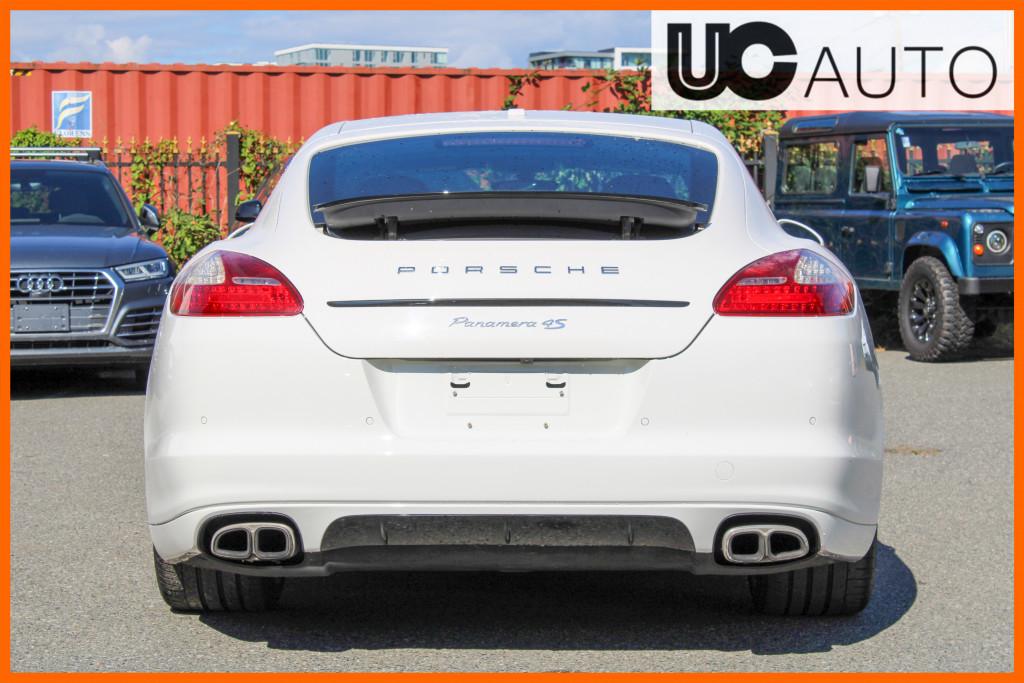 2012-Porsche-Panamera