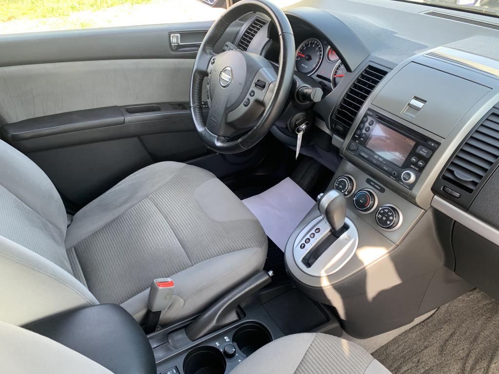 2012-Nissan-Sentra