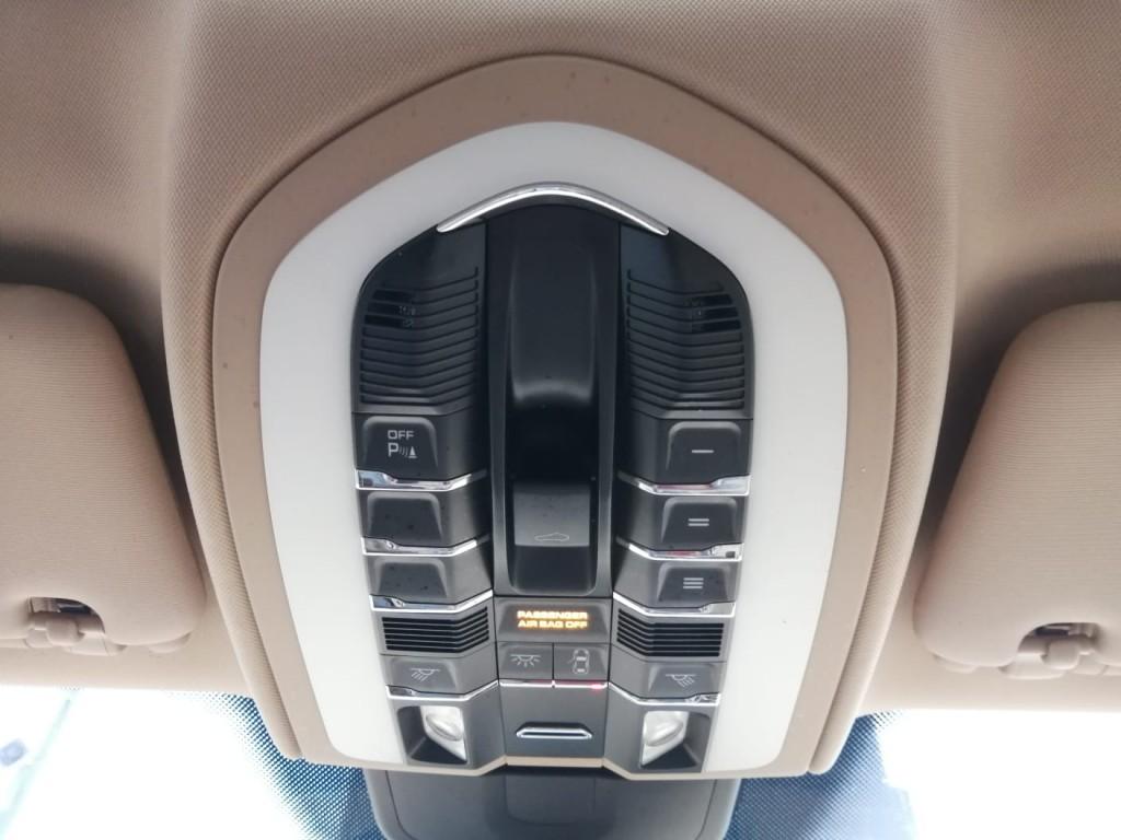 2012-Porsche-Cayenne