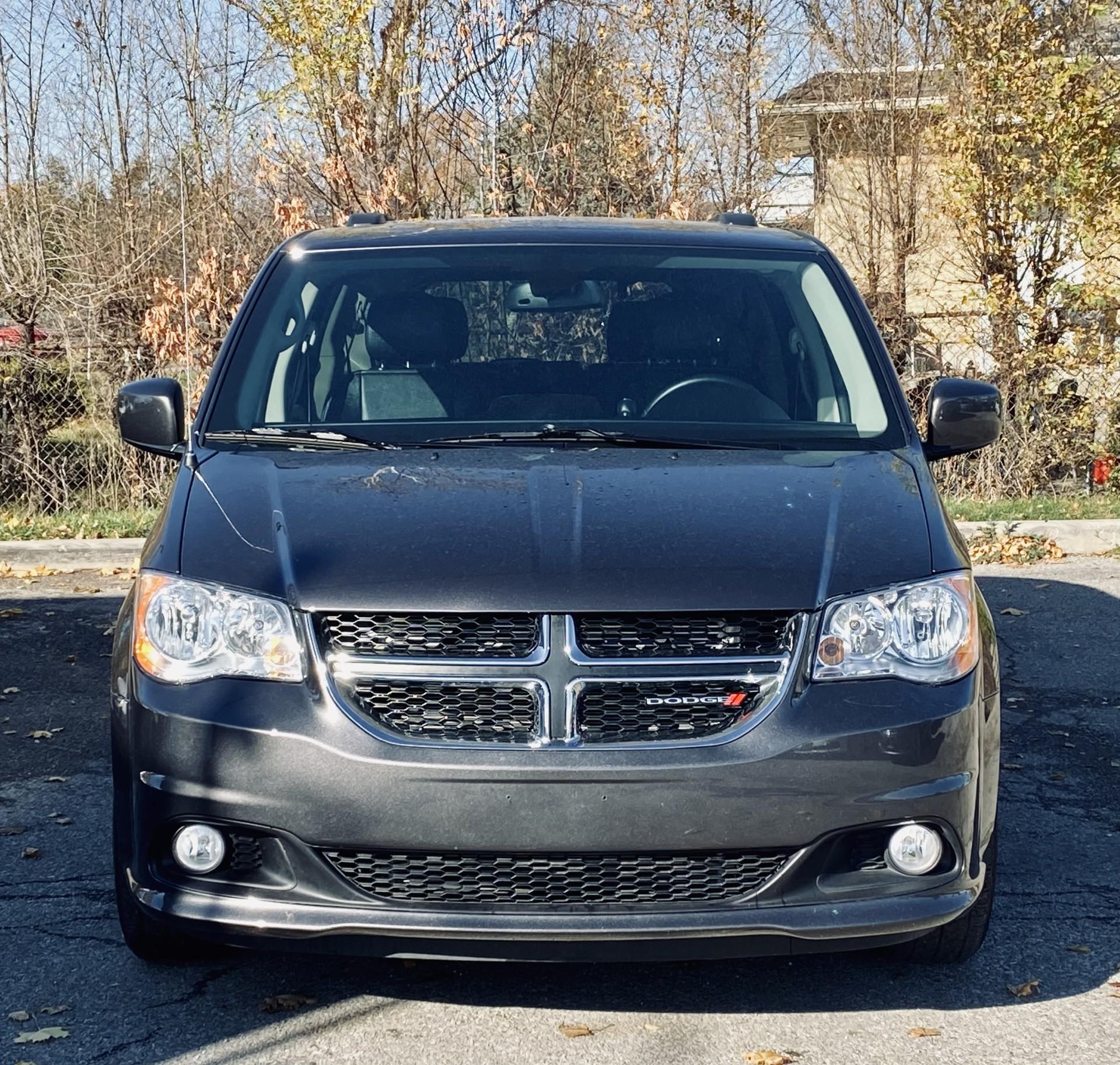 2020-Dodge-Grand Caravan