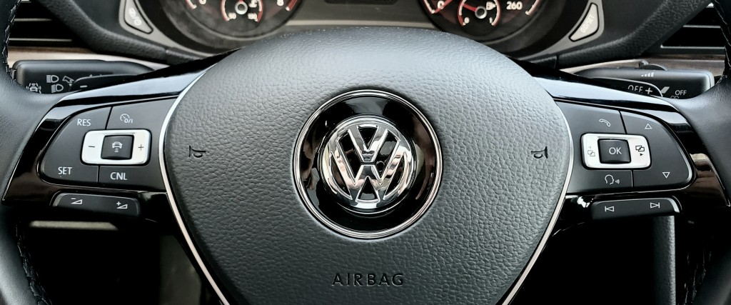 2020-Volkswagen-Passat
