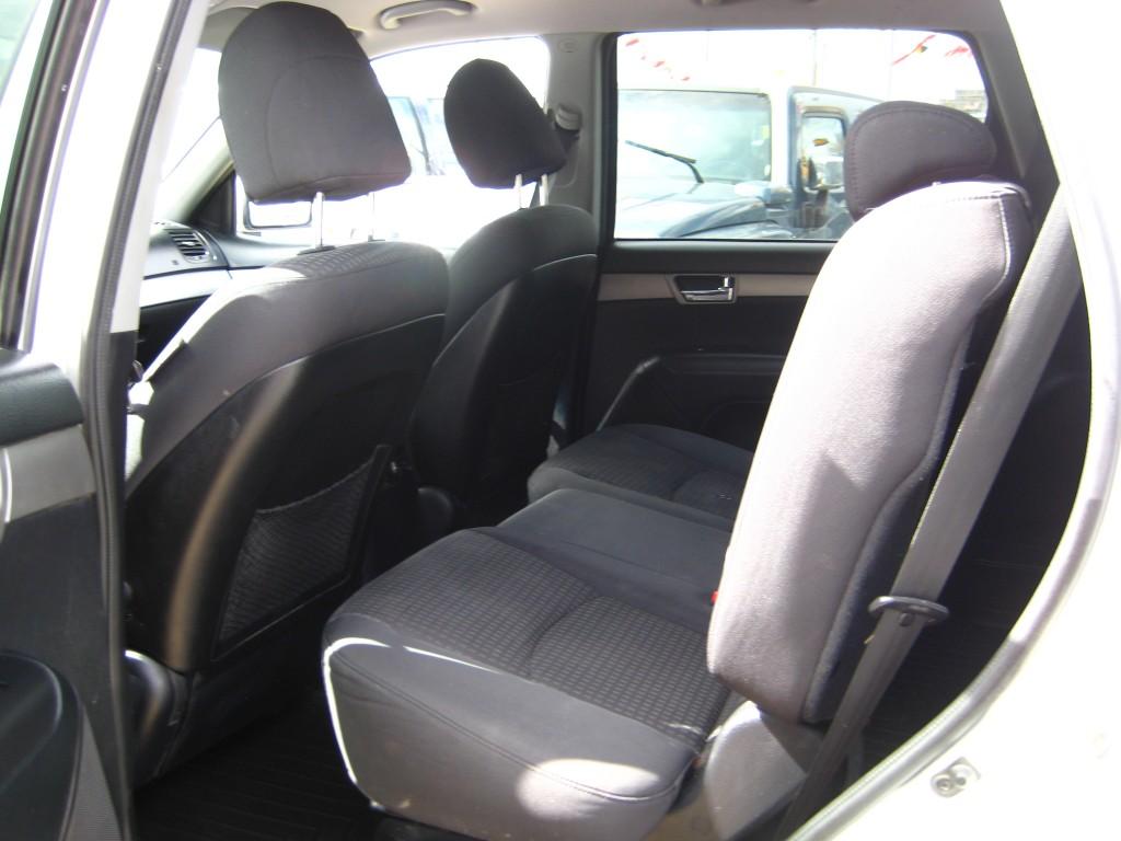 2010-Kia-Borrego