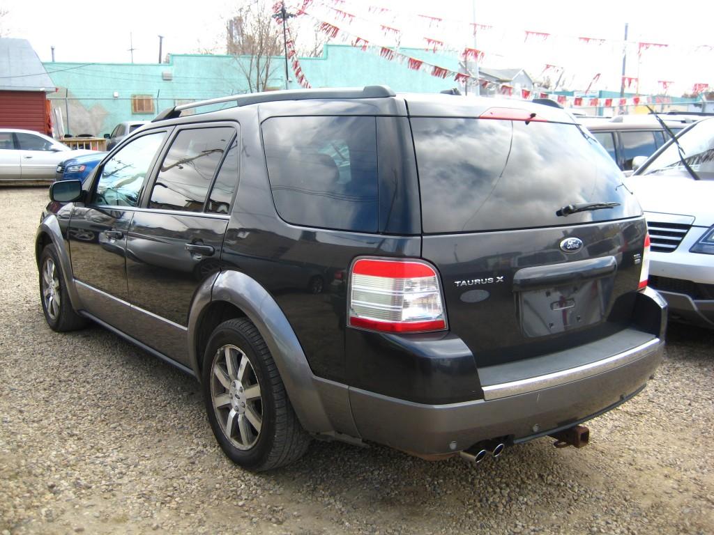 2008-Ford-Taurus X