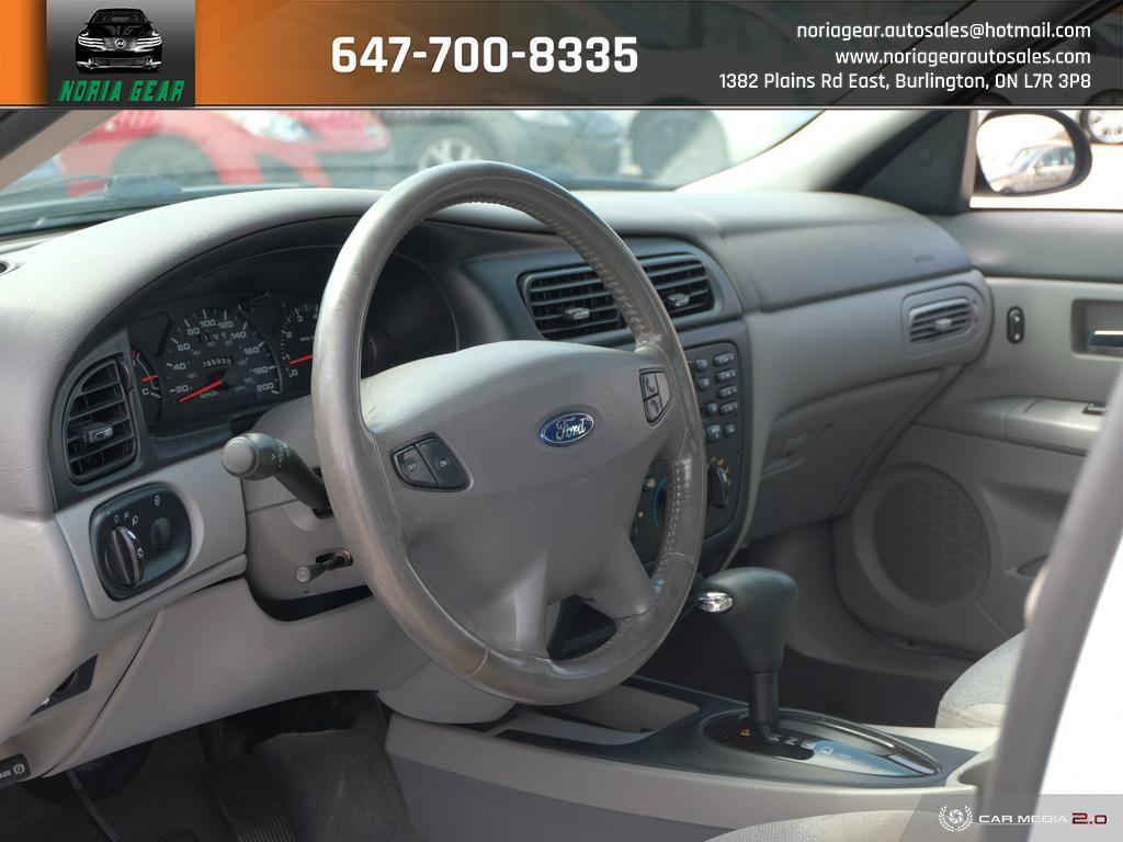 2002-Ford-Taurus