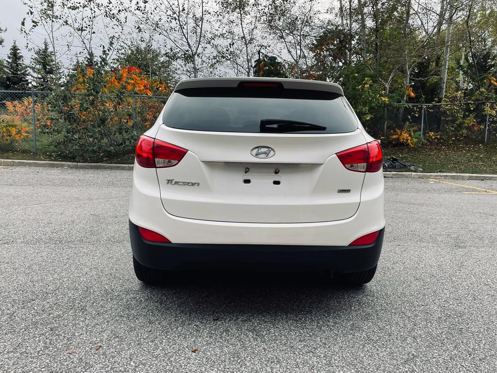 2015-Hyundai-Tucson