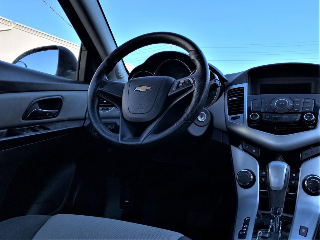 2011-Chevrolet-Cruze