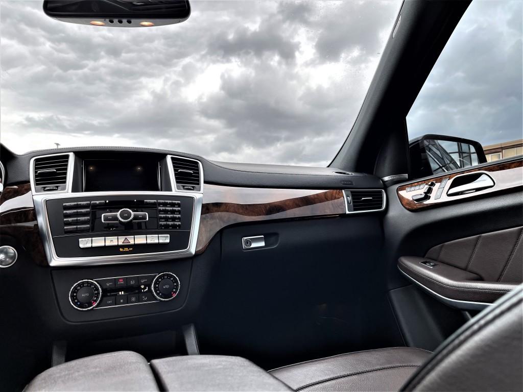 2014-Mercedes-Benz-GL350