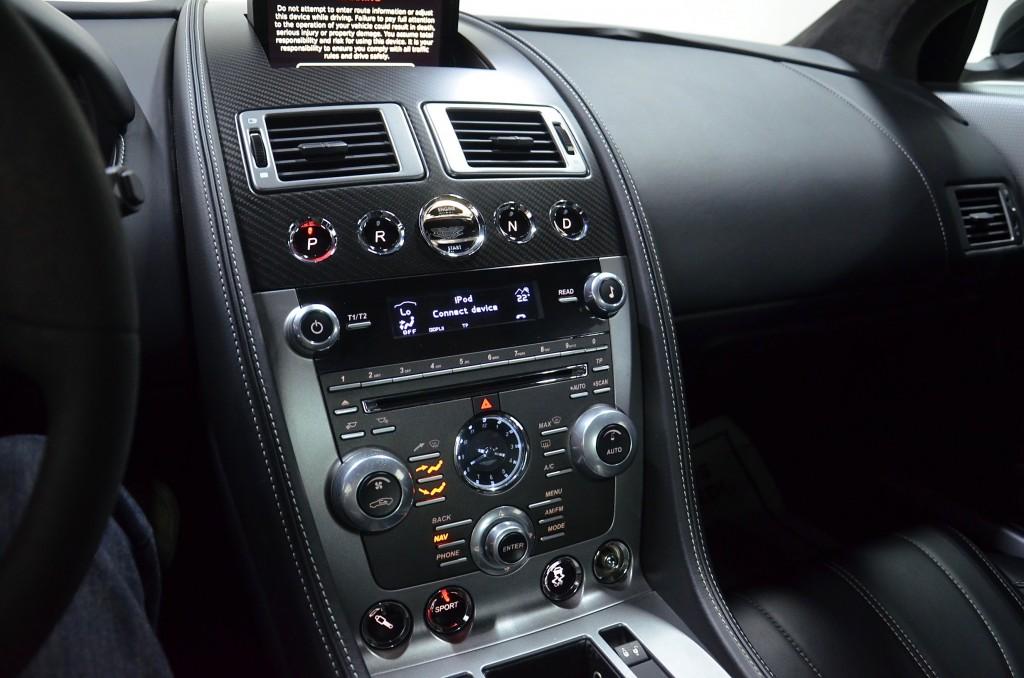 2013-Aston Martin-DB9