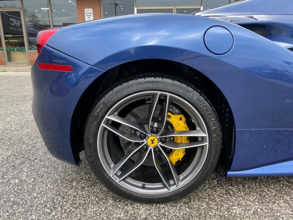 2016-Ferrari-488 Spider