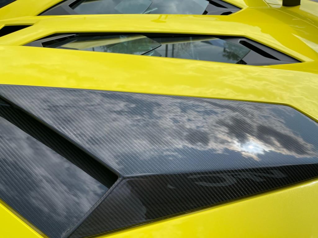 2017-Lamborghini-Aventador