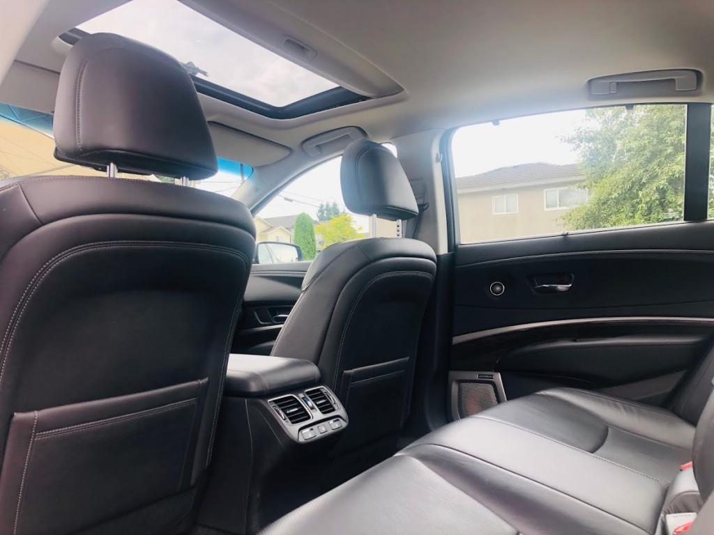 2015-Acura-RLX