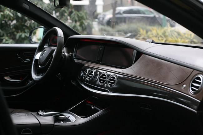 2015-Mercedes-Benz-S63 AMG