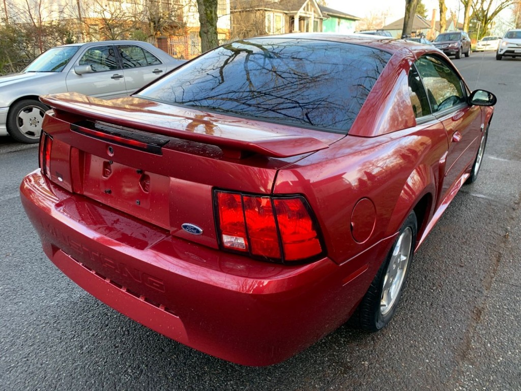 2004-Ford-Mustang