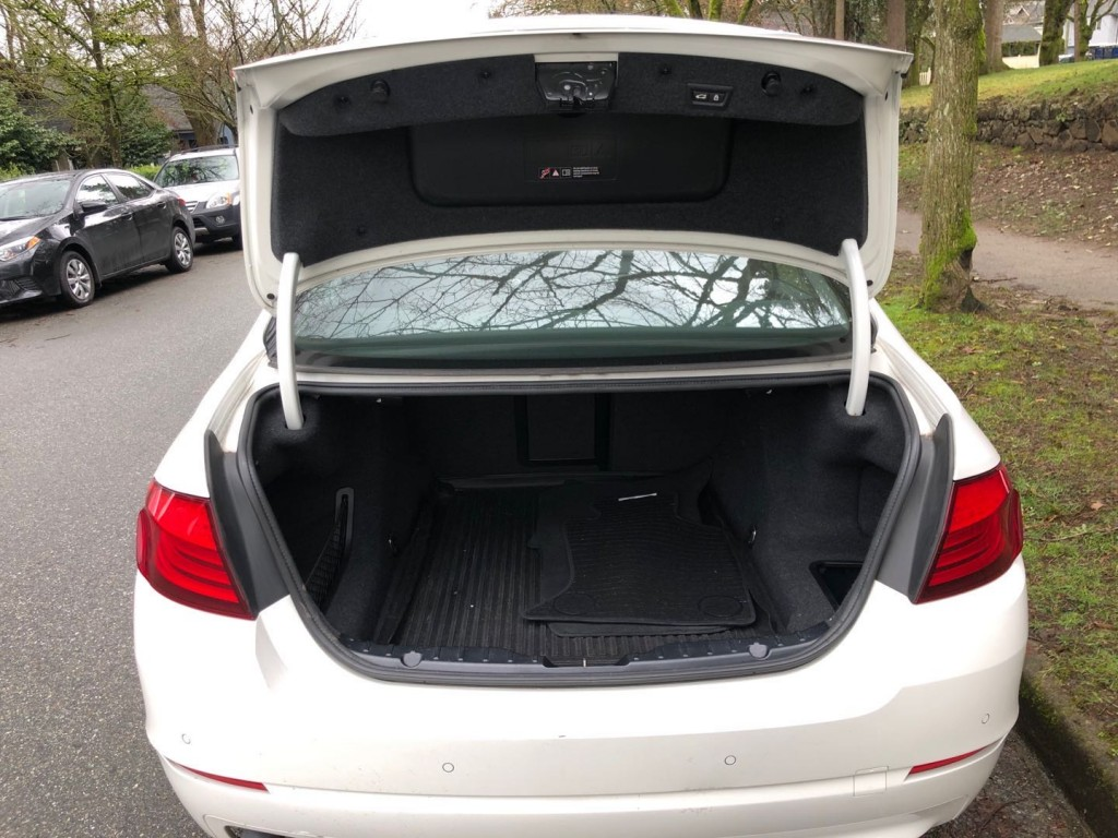 2013-BMW-528xi