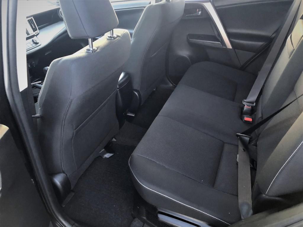 2016-Toyota-RAV4