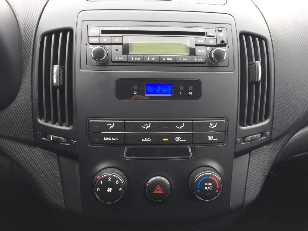 2010-Hyundai-Elantra Touring