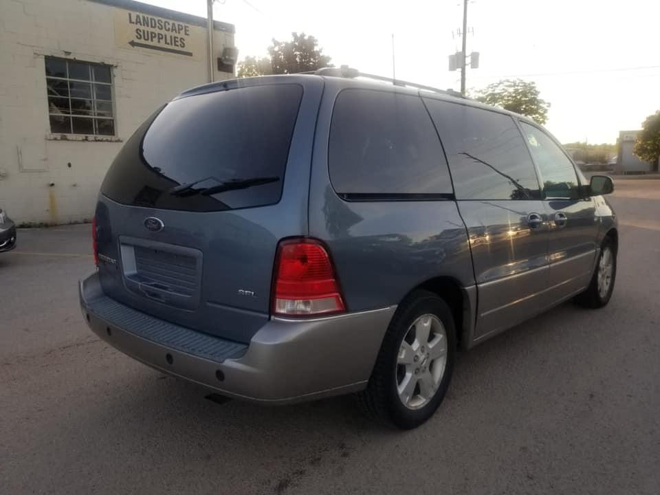 2005-Ford-Freestar
