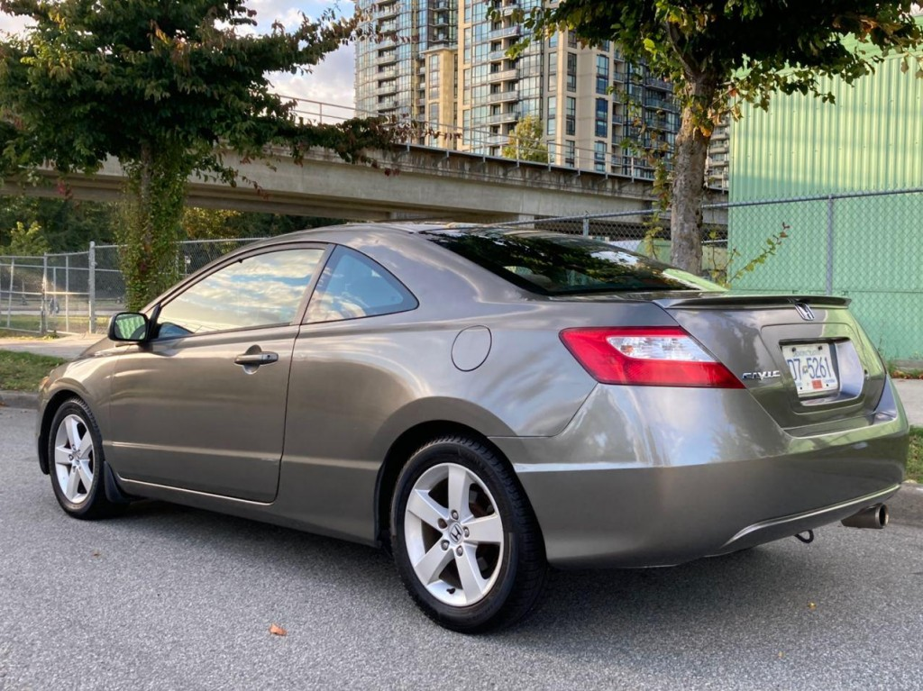 2006-Honda-Civic Coupe