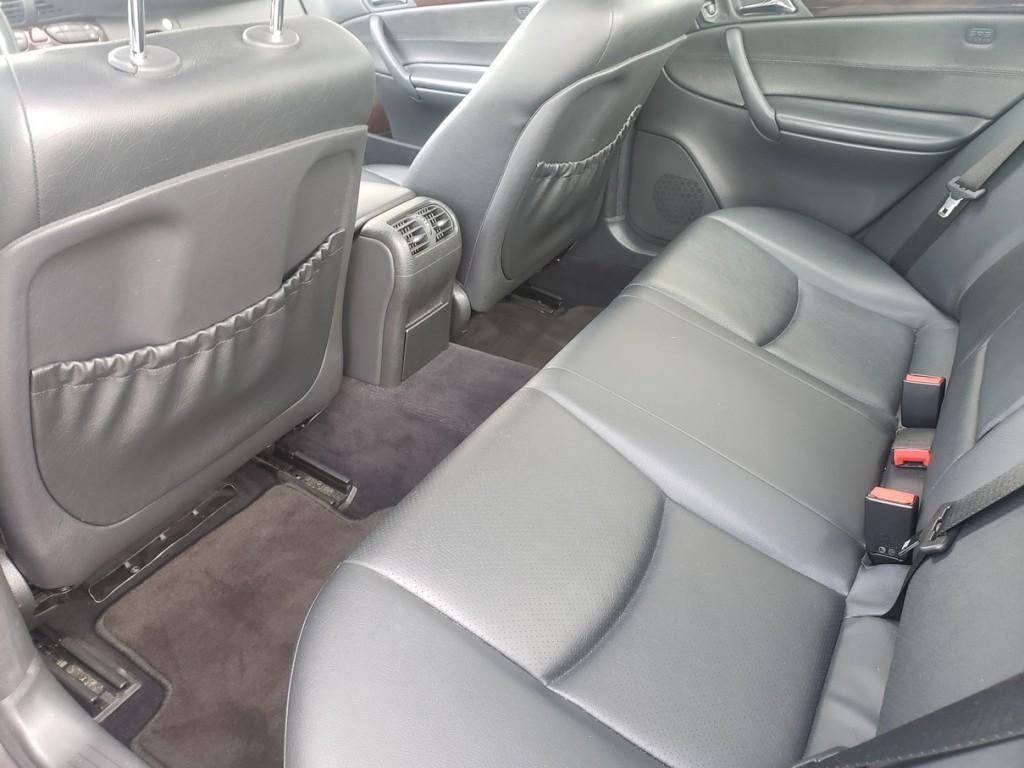 2004-Mercedes-Benz-C240