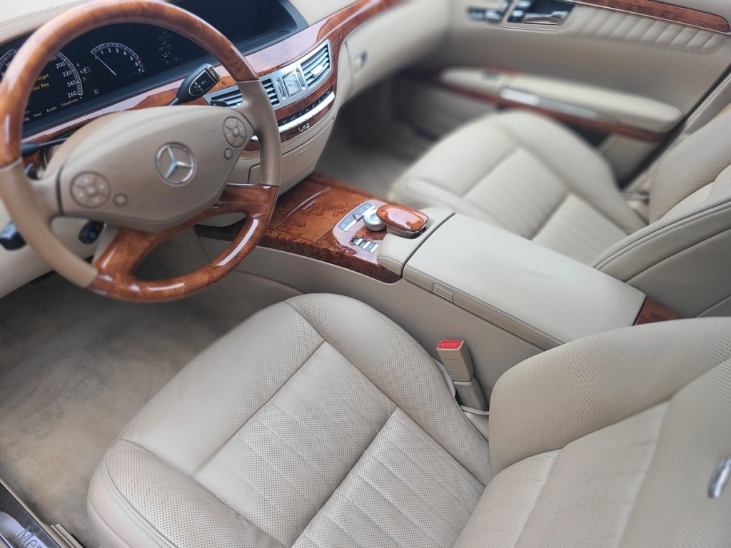 2010-Mercedes-Benz-S-Class