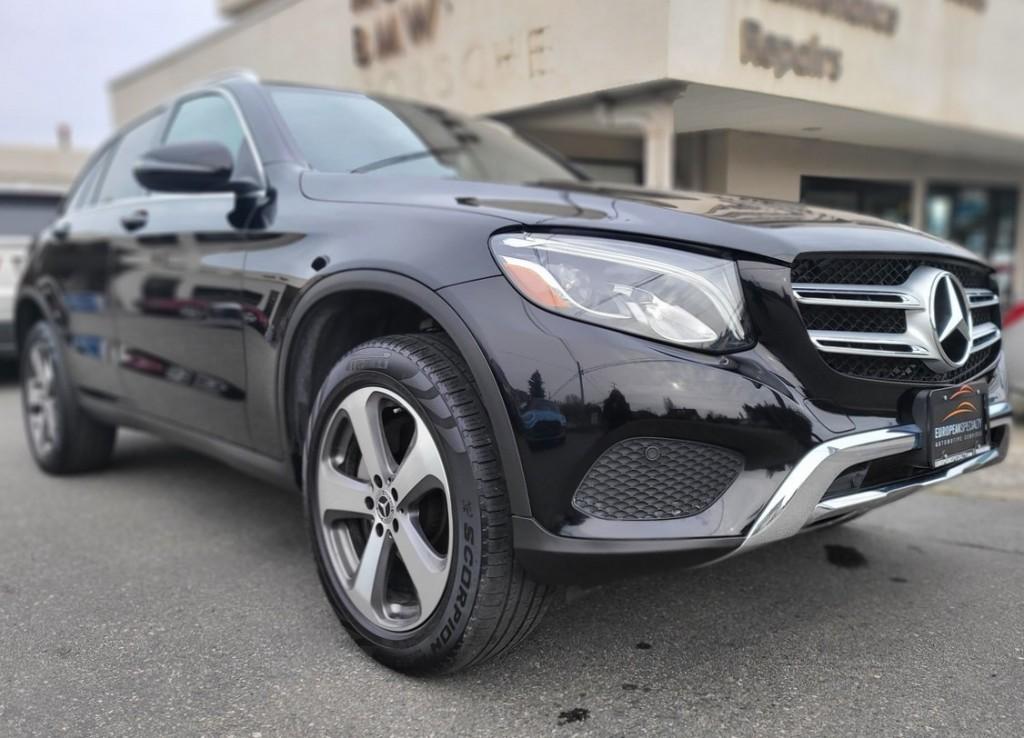 2019-Mercedes-Benz-GLC300 4MATIC