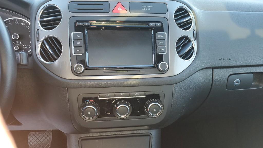 2011-Volkswagen-Tiguan