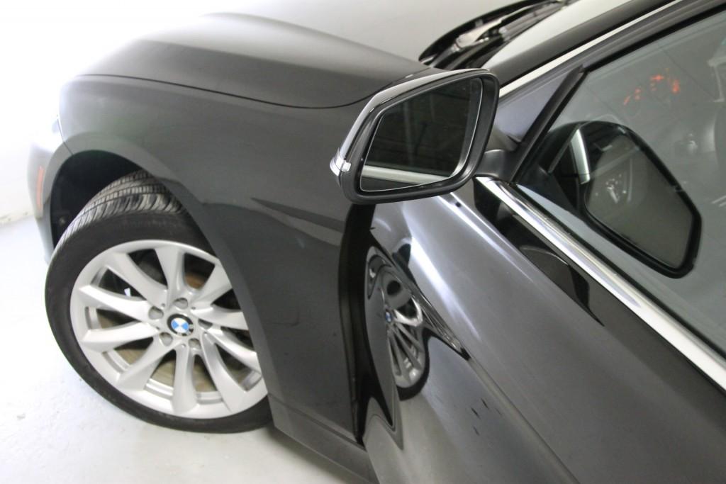 2017-BMW-330i xDrive