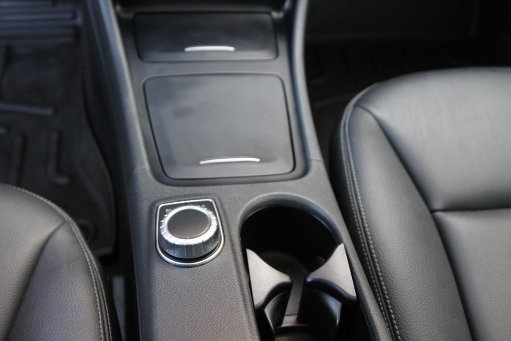 2015-Mercedes-Benz-GLA-Class