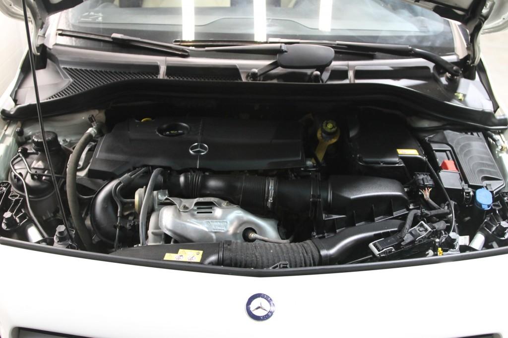 2016-Mercedes-Benz-B-Class