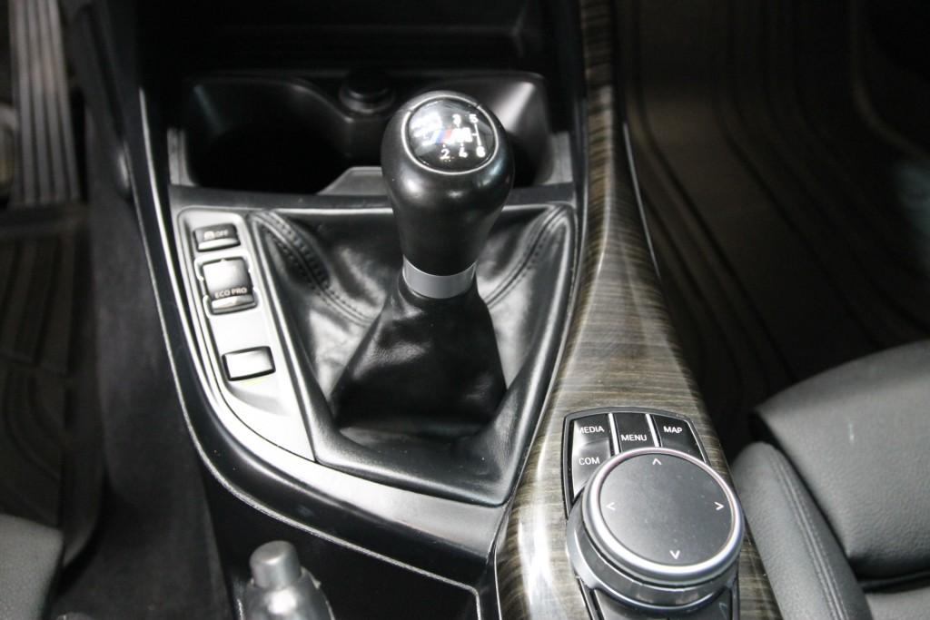 2017-BMW-230i