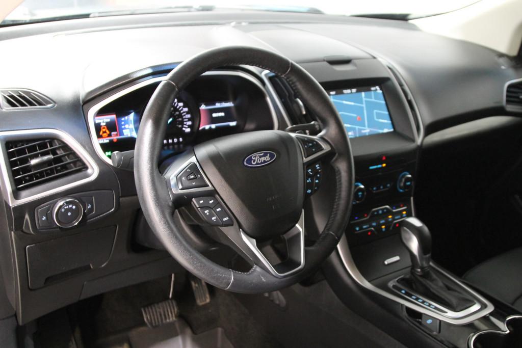 2018-Ford-Edge