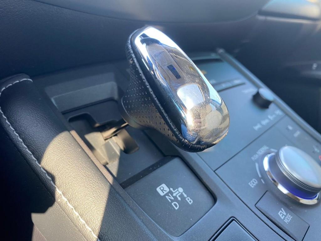 2013-Lexus-CT 200h