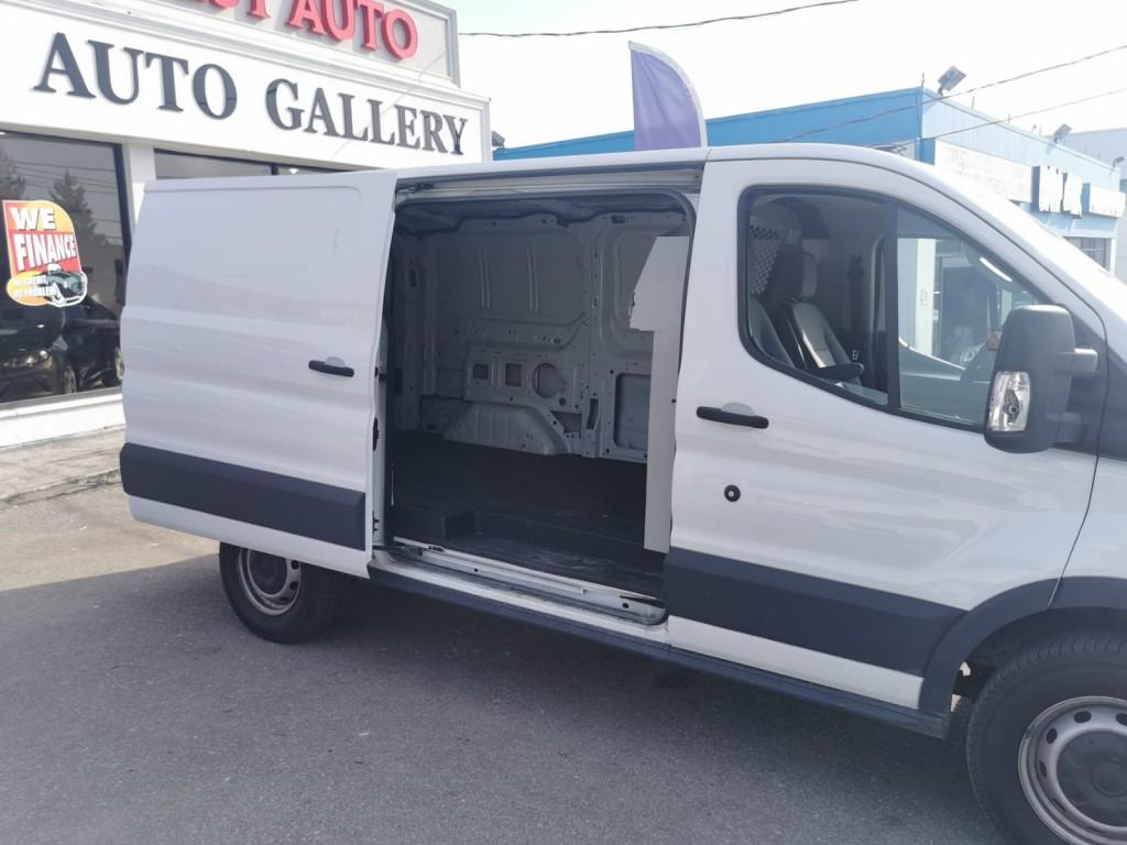 2017-Ford-Transit-250