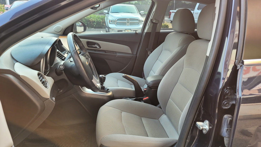 2014-Chevrolet-Cruze