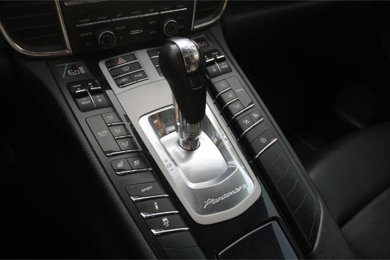 2014-Porsche-Panamera