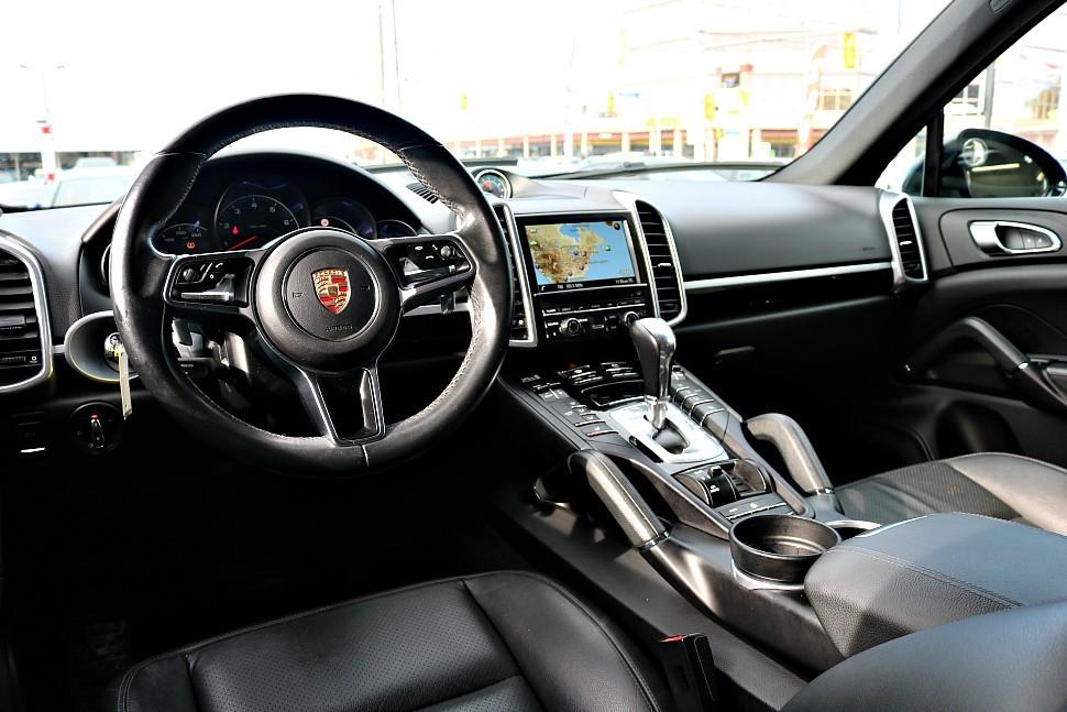 2016-Porsche-Cayenne