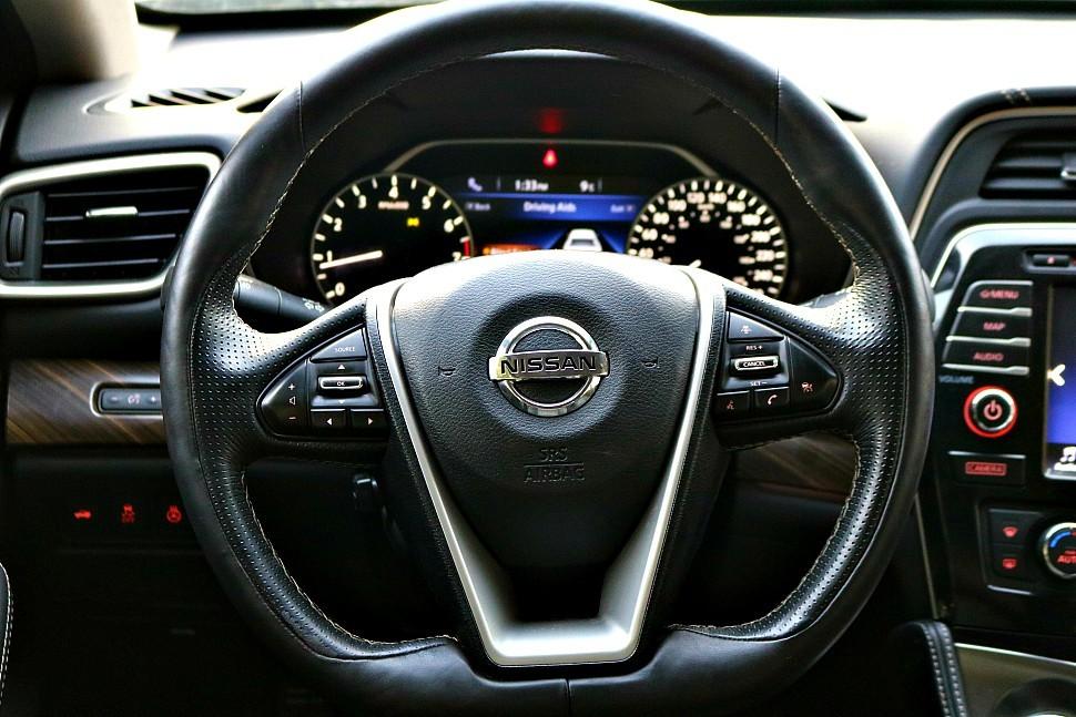 2016-Nissan-Maxima