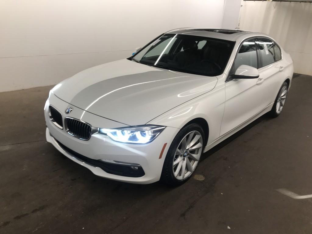 2017-BMW-320i xDrive